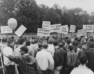 Digital Projects - White observers surround black protesters on Old Main Lawn, 1968